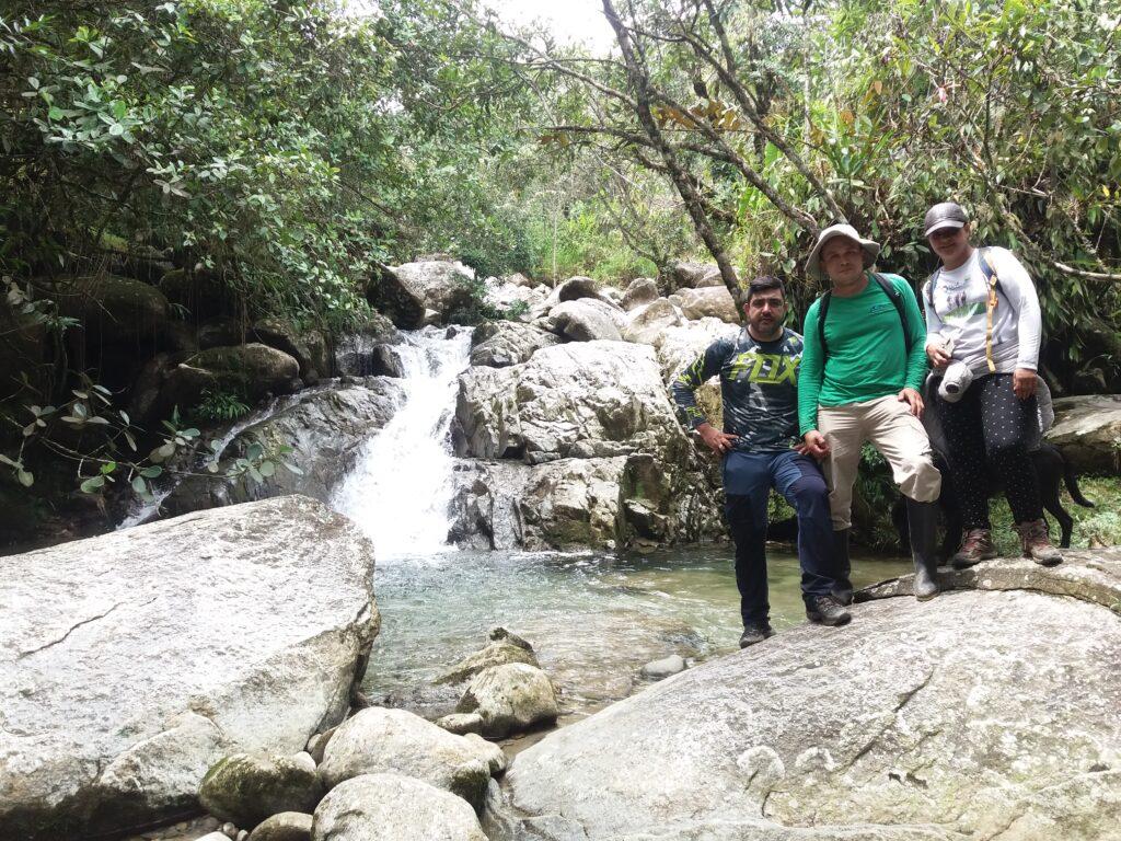 Guías de fantasyToursAntioquia y Arranquemospues en recorrido Samaná - Río Guatapé - Vereda la Araña, San Rafael, Antioquia