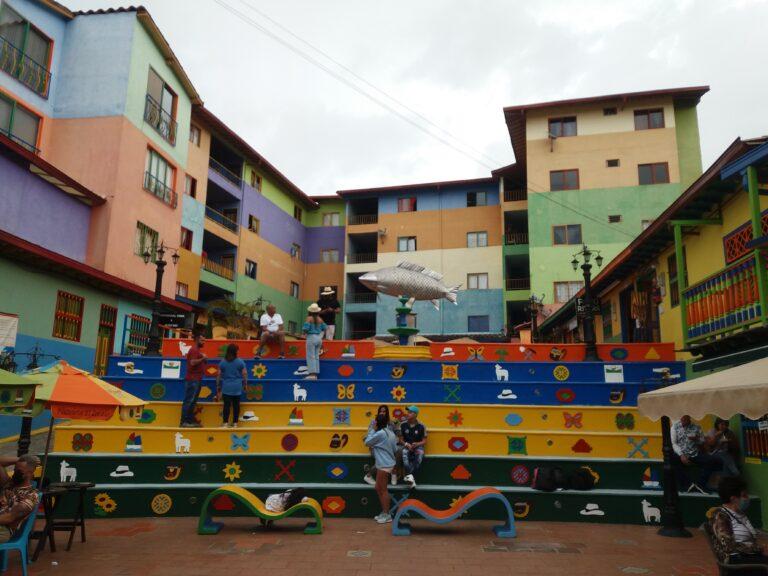 Plaza de Zócalos, Guatapé